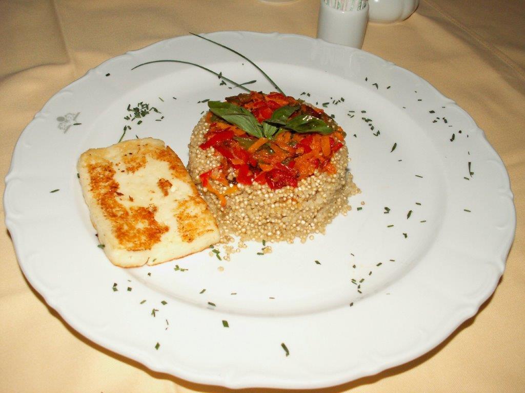 Slastna kvinojina rižota z olimskim sirom
